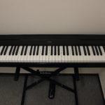 Piano Numérique YAMAHA Digital piano P-35 (avec adaptateur+ pédale)
